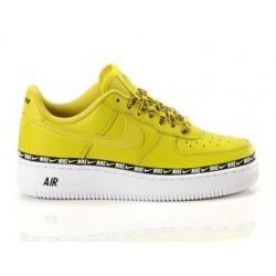 Nike Air Force 1' SE Amarillas
